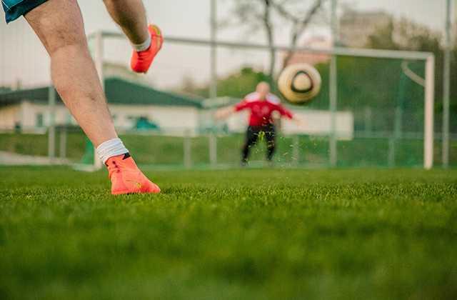 <b>足球比赛基本规则介绍 学会这些不再当球盲</b>